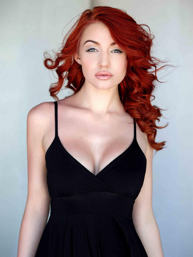 Redgirl. by PorcelainCora