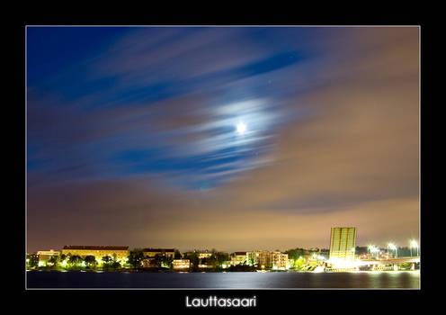 Lauttasaari at night