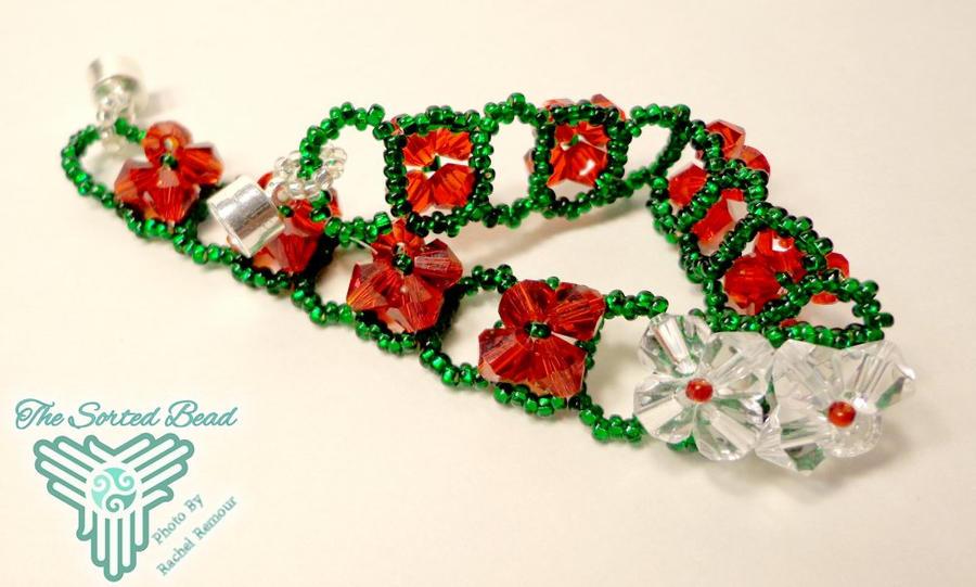 Christmas Raw Flower Bracelet by TheSortedBead