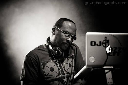 DJ Jazzy Jeff mixing