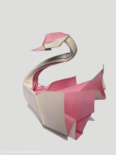 Origami Swan by HTQuyet