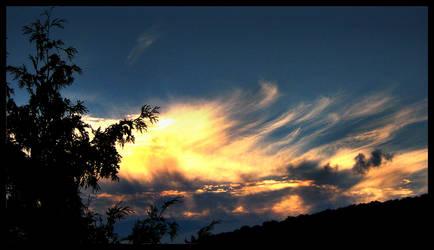 Goldeneye Sky by dilekt