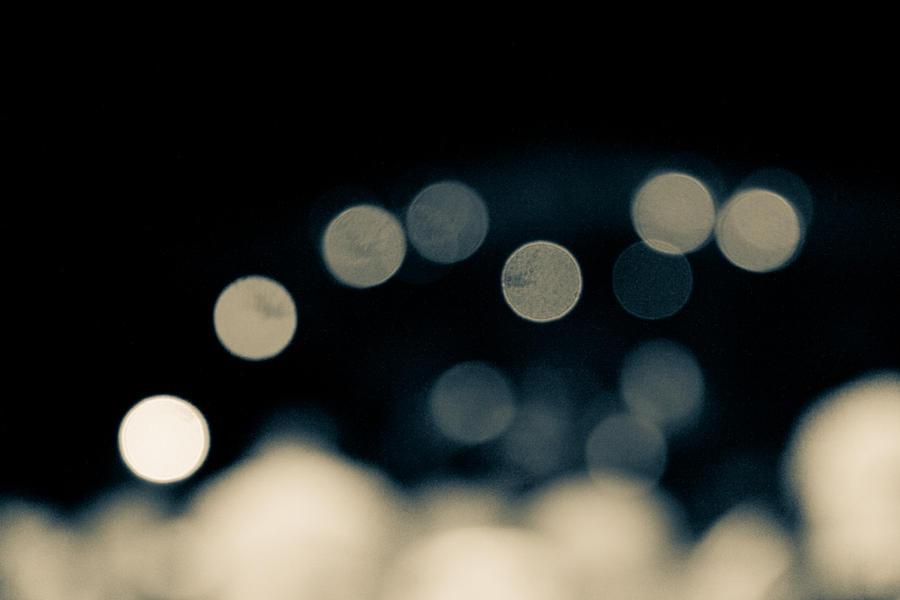 Blurry Lights By Dulcechokolate