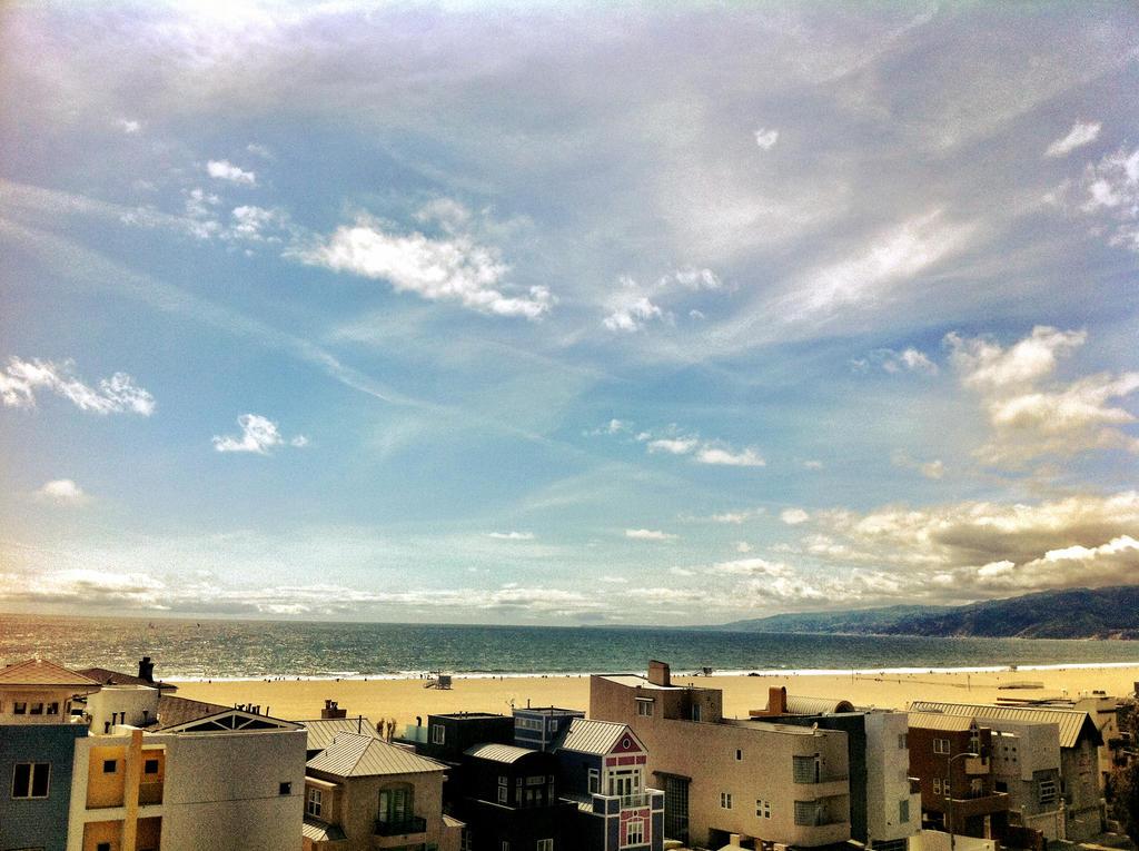 Santa Monica Dreams by OnlyTheGoodNotes