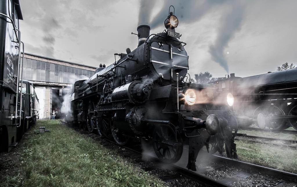 Austrian Railways 310 by mark1214