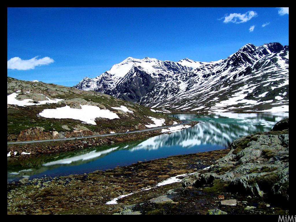 Mountain's Lake by MiMi-MosH