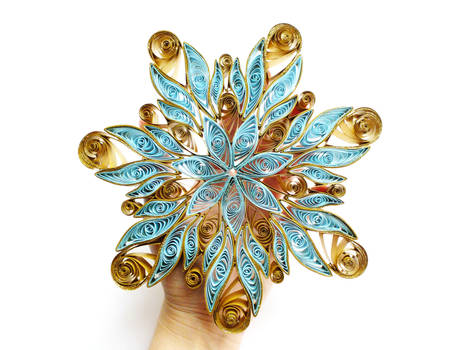 my quilling snowflake on my own hand :)