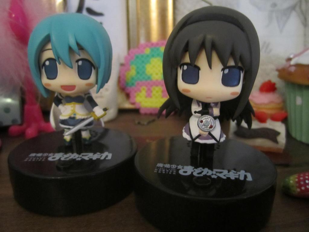 Homura and Sayaka by MiruMaru