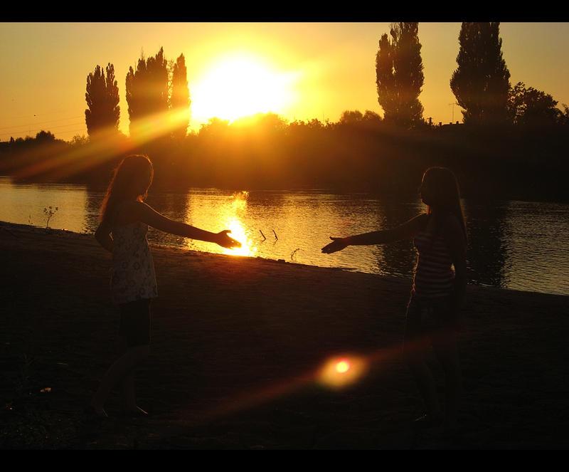 Golden Truce by BlueAnomiS