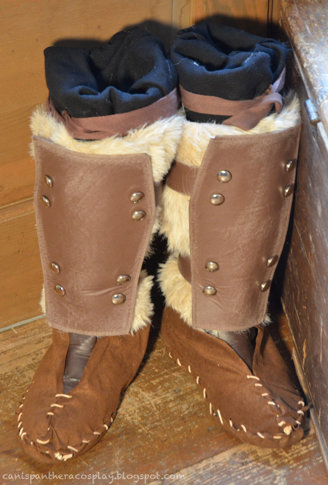 Stormcloak Fur Boots by CanisPanthera