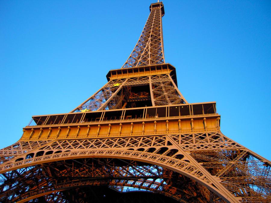 Paris by MikeyG8