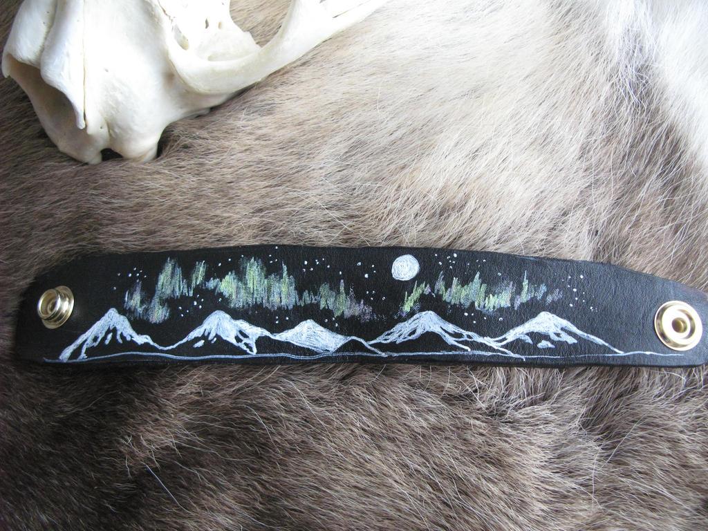 Northern Lights cuff by CindarellaPop