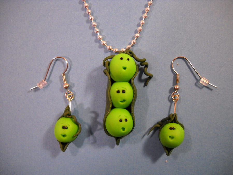 Pea Pod Jewelry set by ClaydoniaTerra