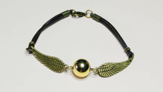 Harry Potter DIY: Golden Snitch bracelet tutorial