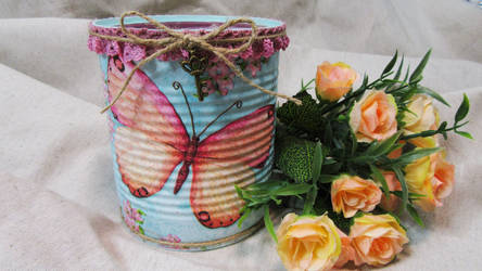Recycled can with decoupage 001