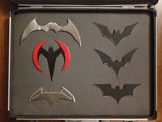 Batarang set up close by fractured100