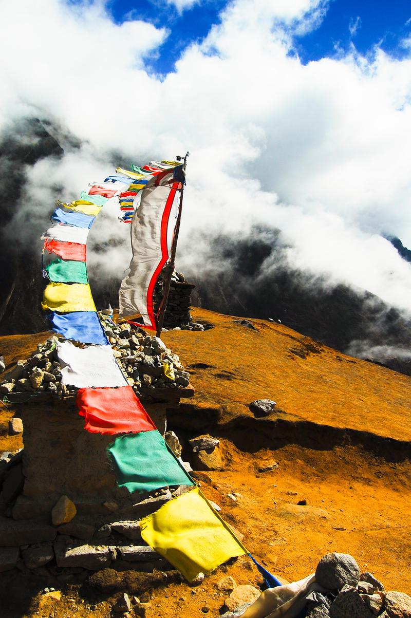 nepal prayer flags by MugdimanDhaulagiri
