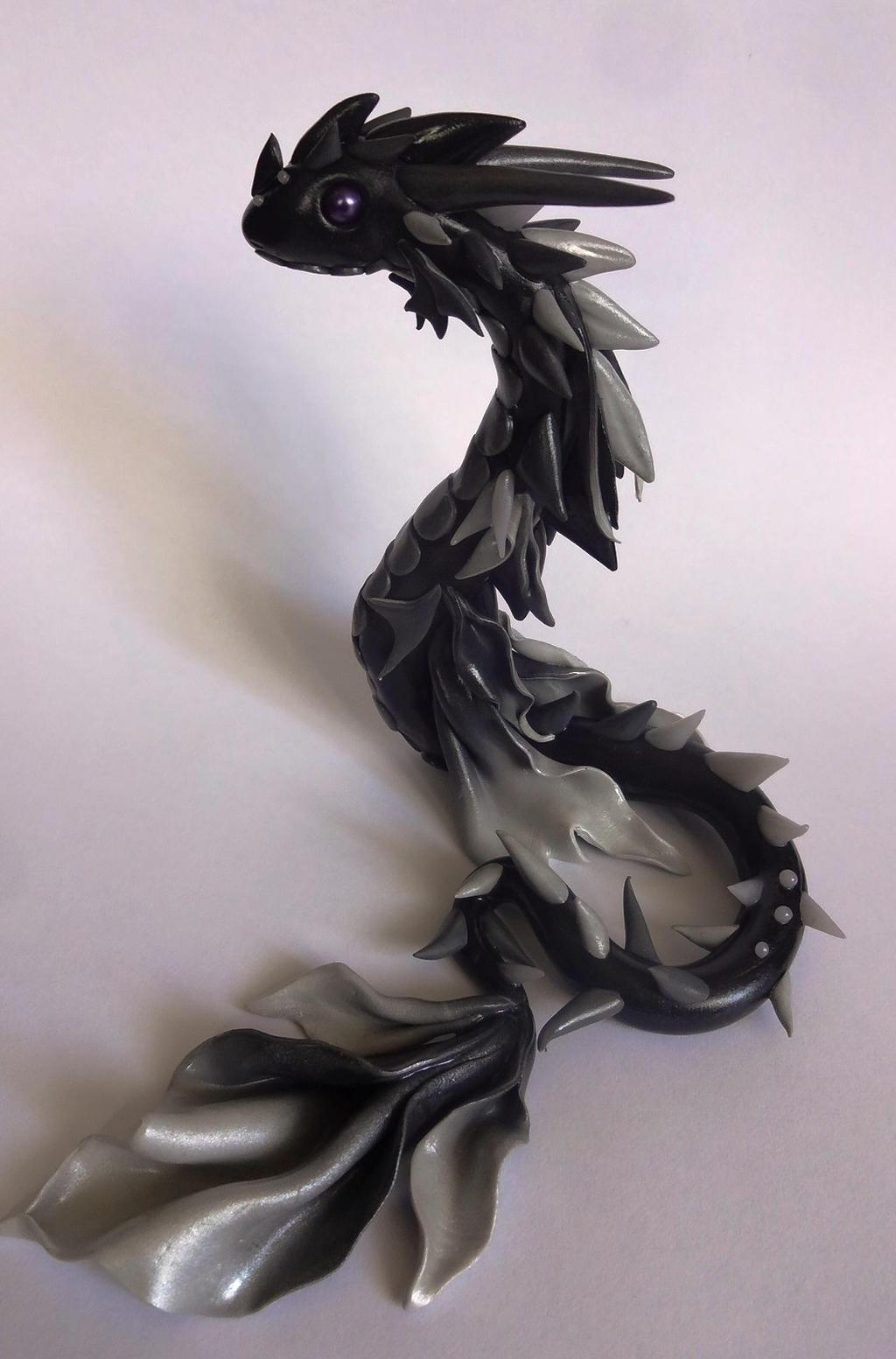 dragon noir et blanc by krisclay74 on deviantart. Black Bedroom Furniture Sets. Home Design Ideas