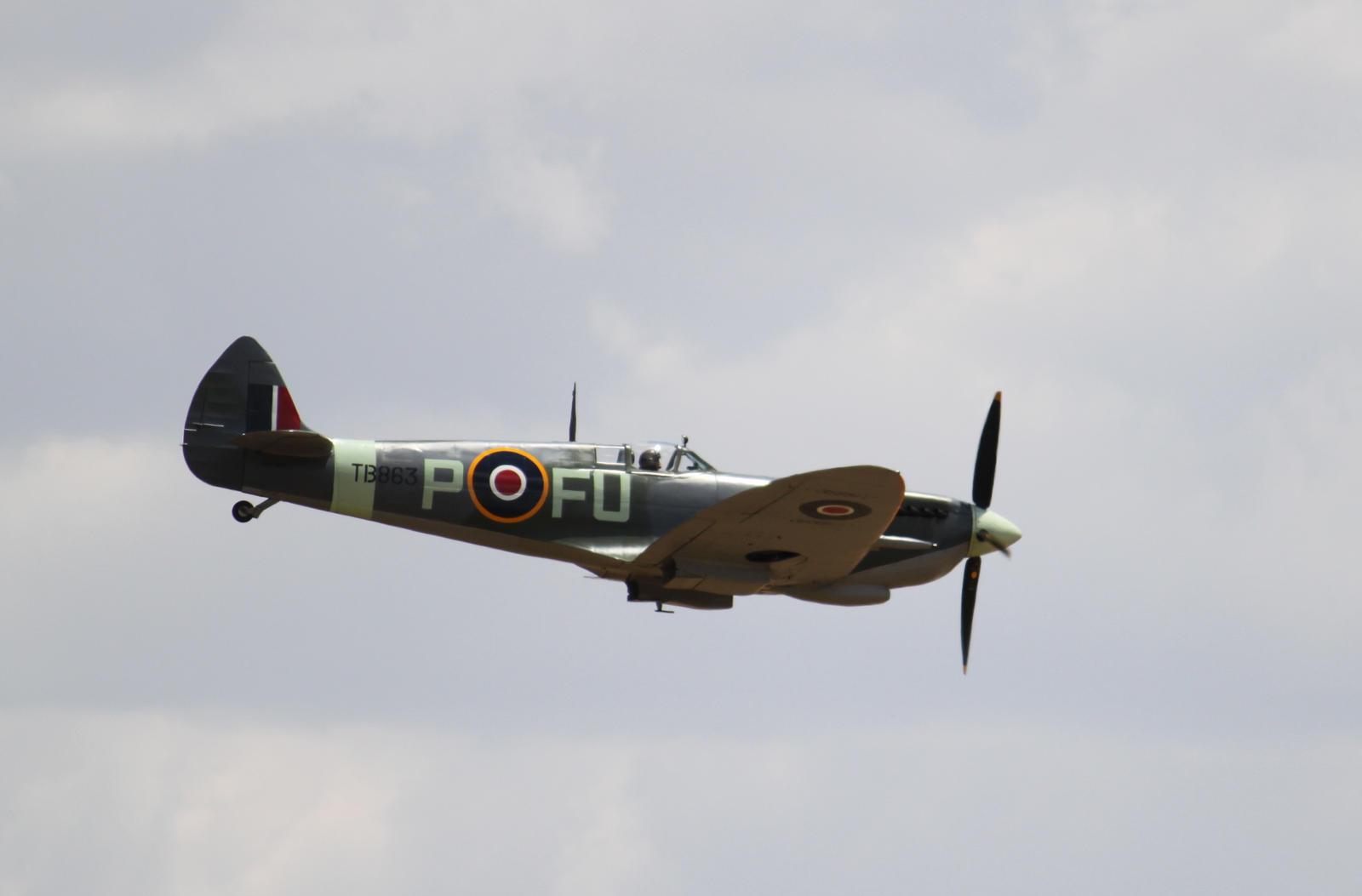 Spitfire XVI by TarJakArt