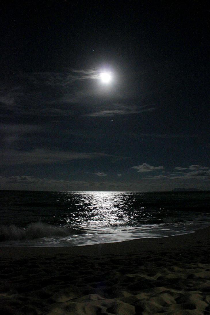 Full Moon Trinity Beach by TarJakArt