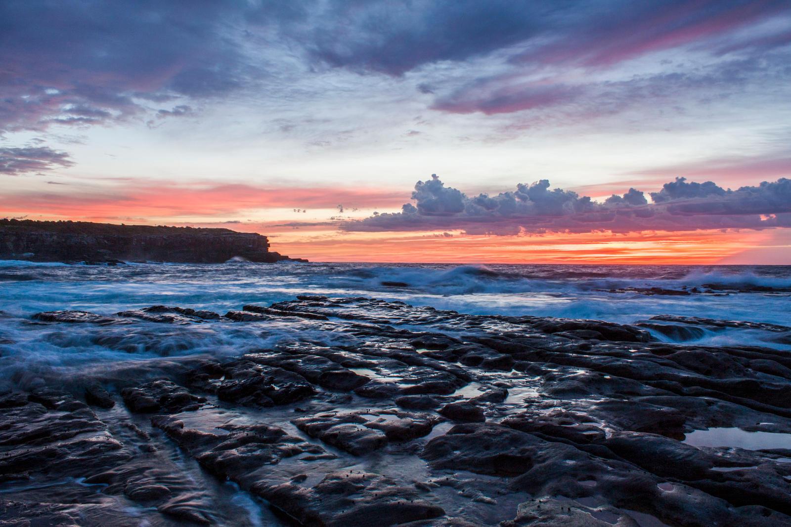 Dawn Little Bay by TarJakArt