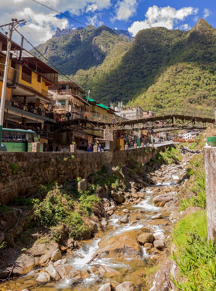 Agua Calientes Peru by TarJakArt