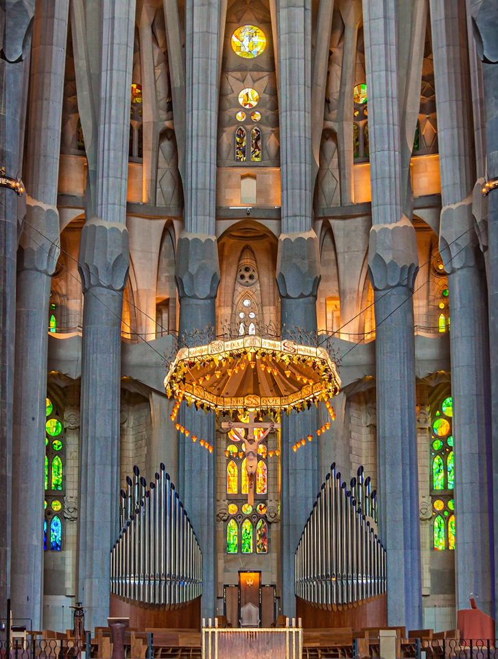 Sagrada Famila Parasol by TarJakArt