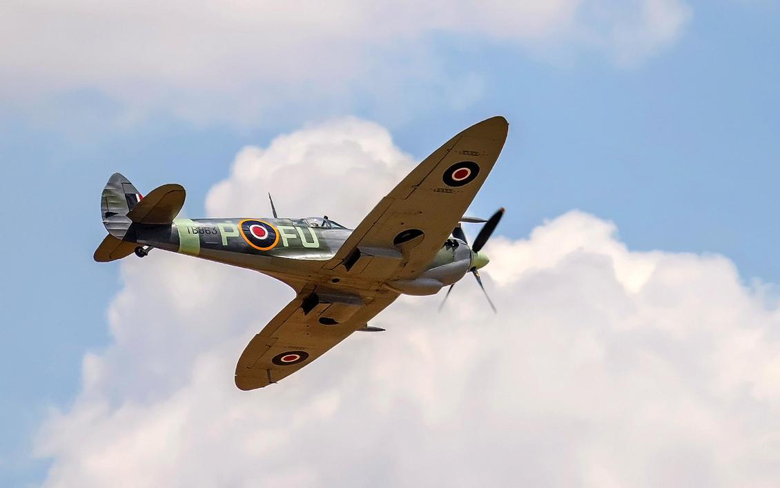 Spitfire Mk XVI by TarJakArt