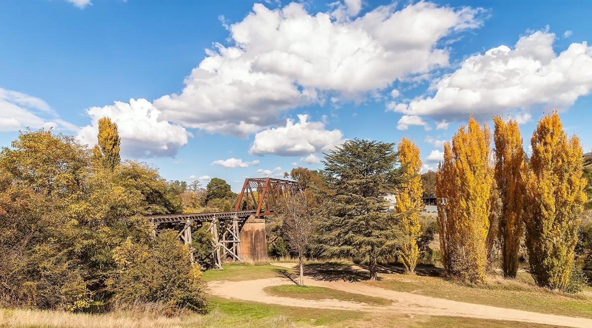 Rail Bridge, Yass by TarJakArt