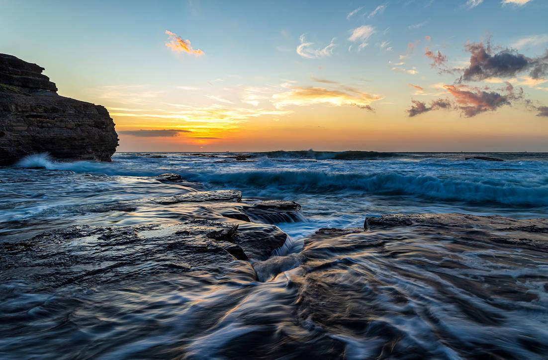 Austinmer Dawn by TarJakArt