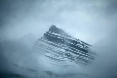 Foggy Mountain by vlad-m