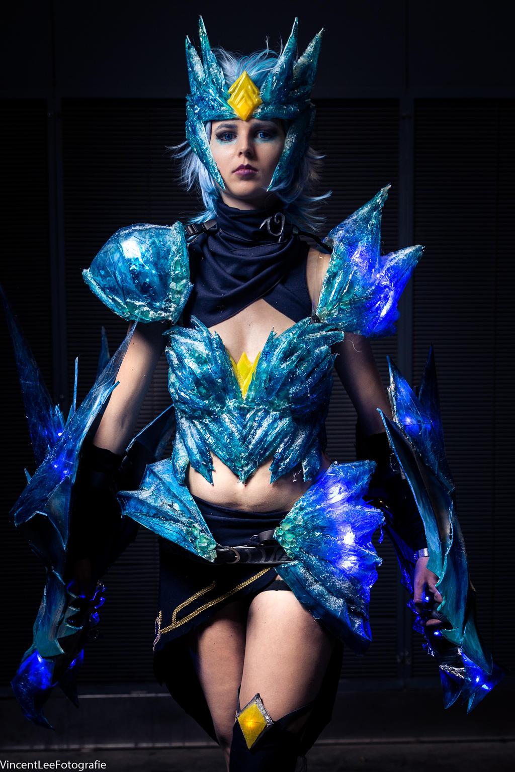 ice drake shyvana cosplay - photo #35
