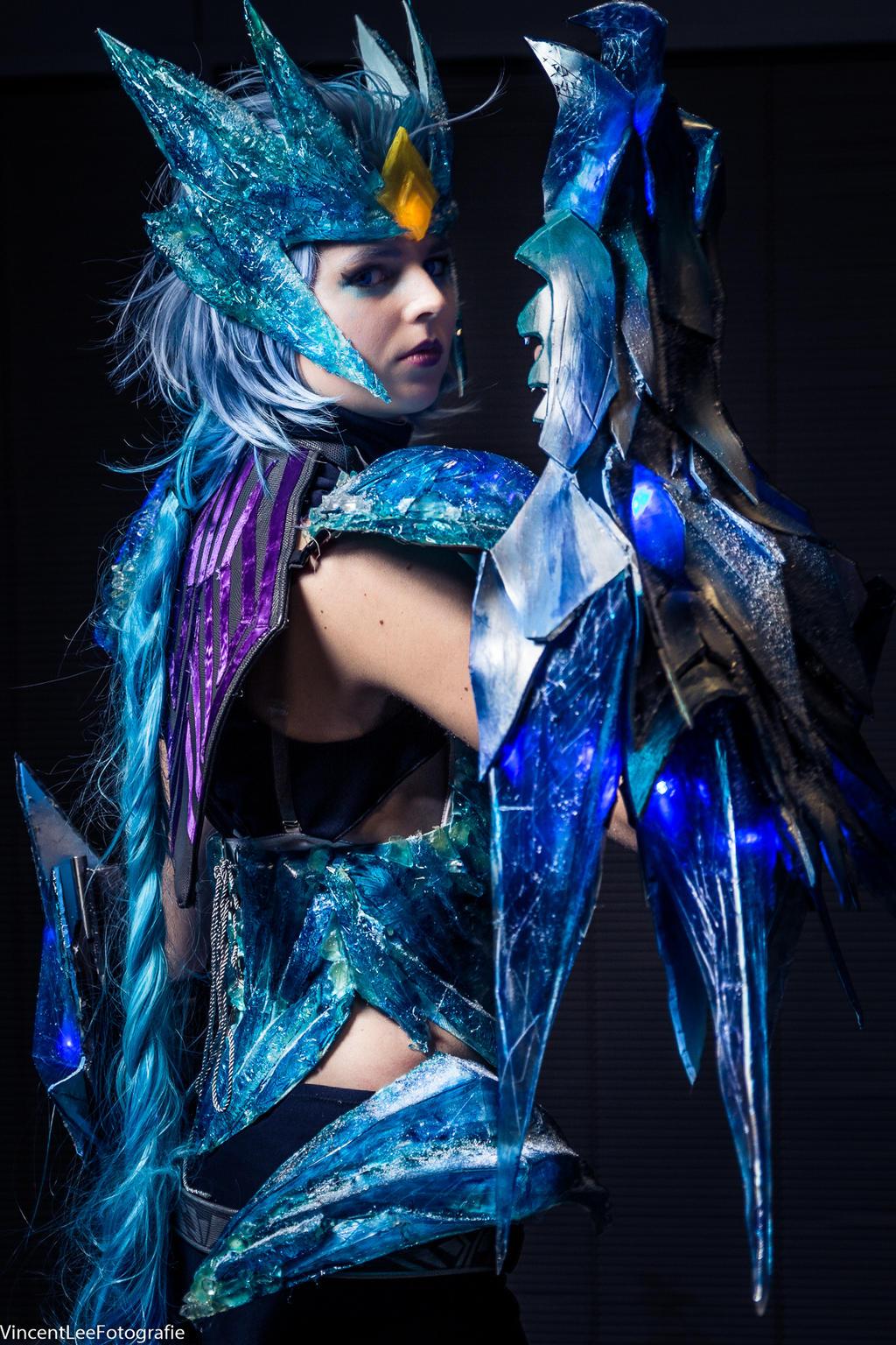 ice drake shyvana cosplay - photo #11