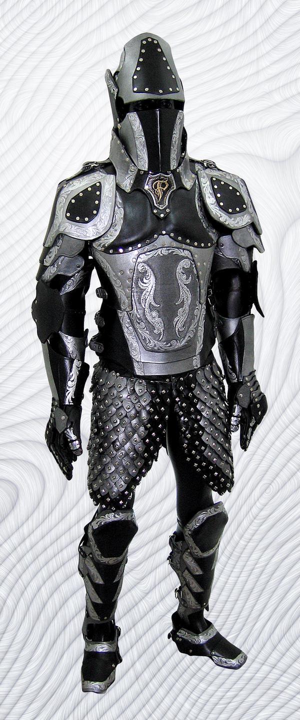 un créateur d'armures en cuir... Black_And_Silver_Armor___Final_by_Azmal