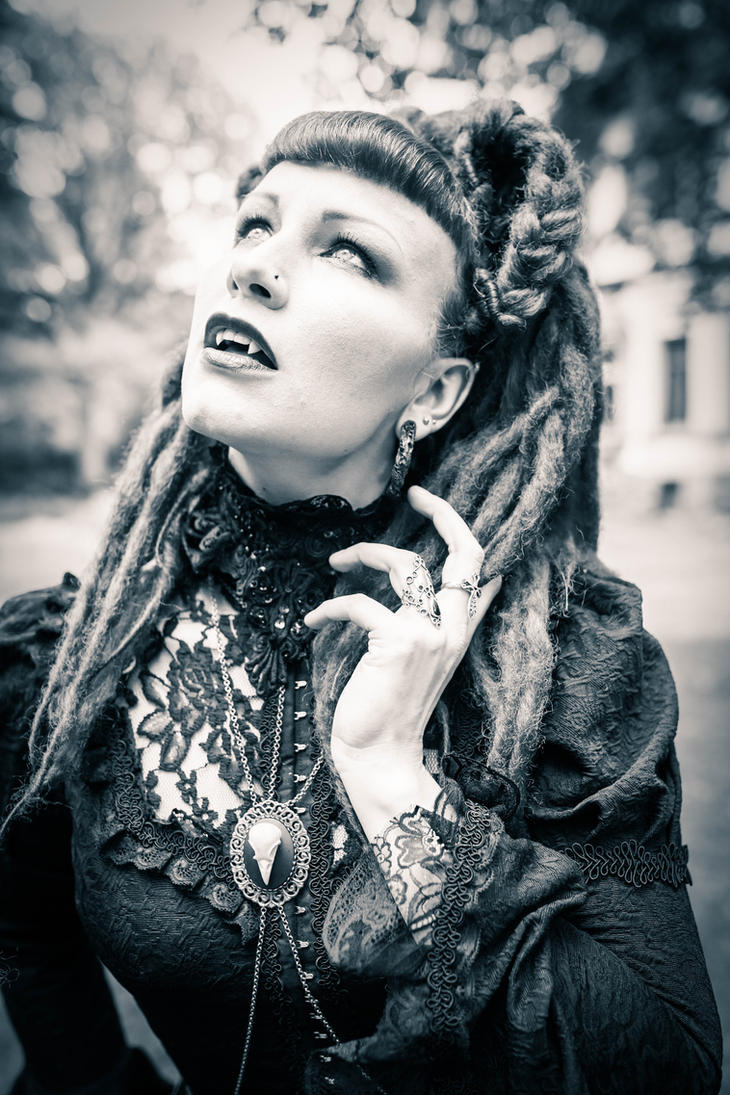Vampire Queen Tessa by MelancholicHeart