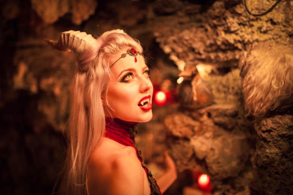 Vampire Queen Jolien by MelancholicHeart