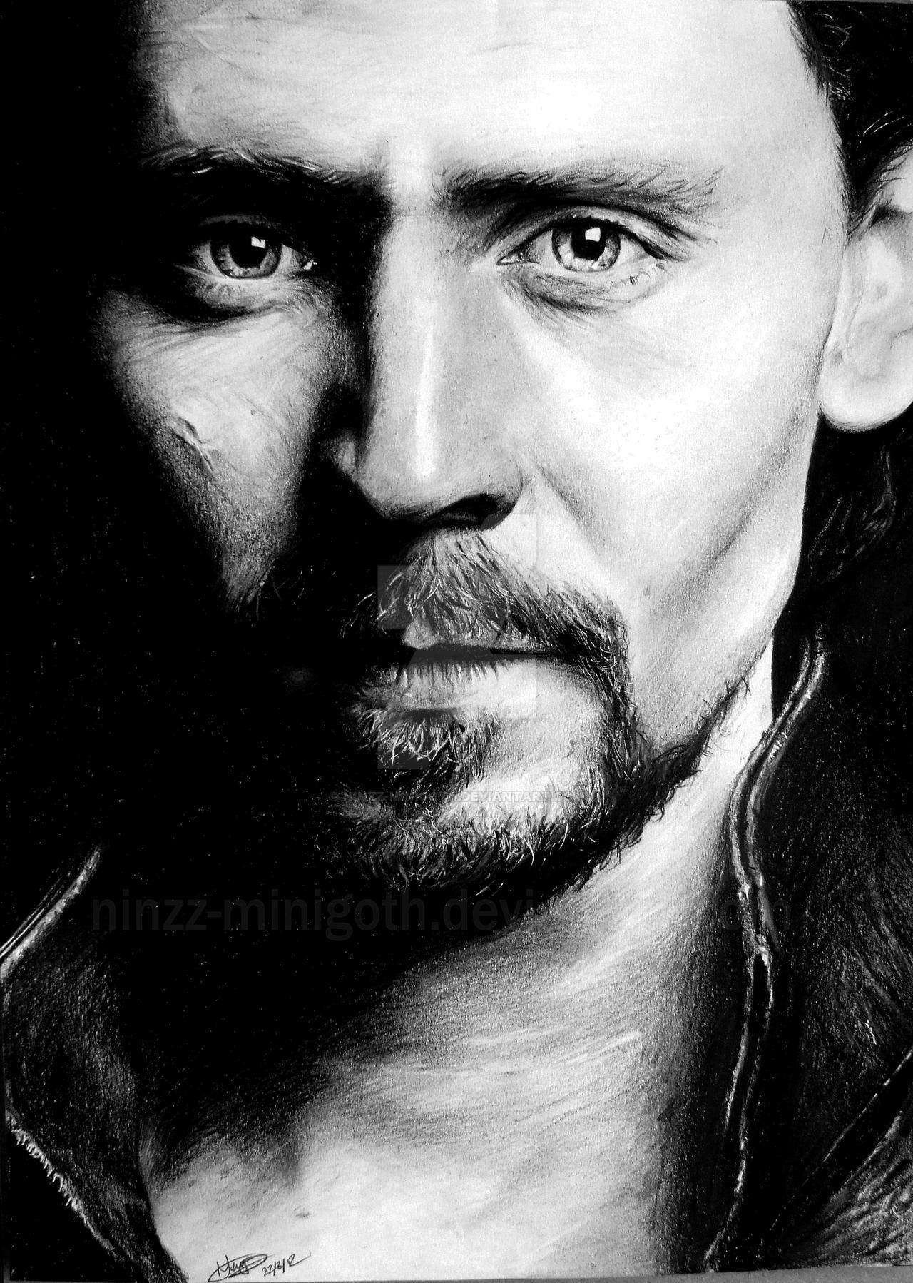 Gift: Tom Hiddleston