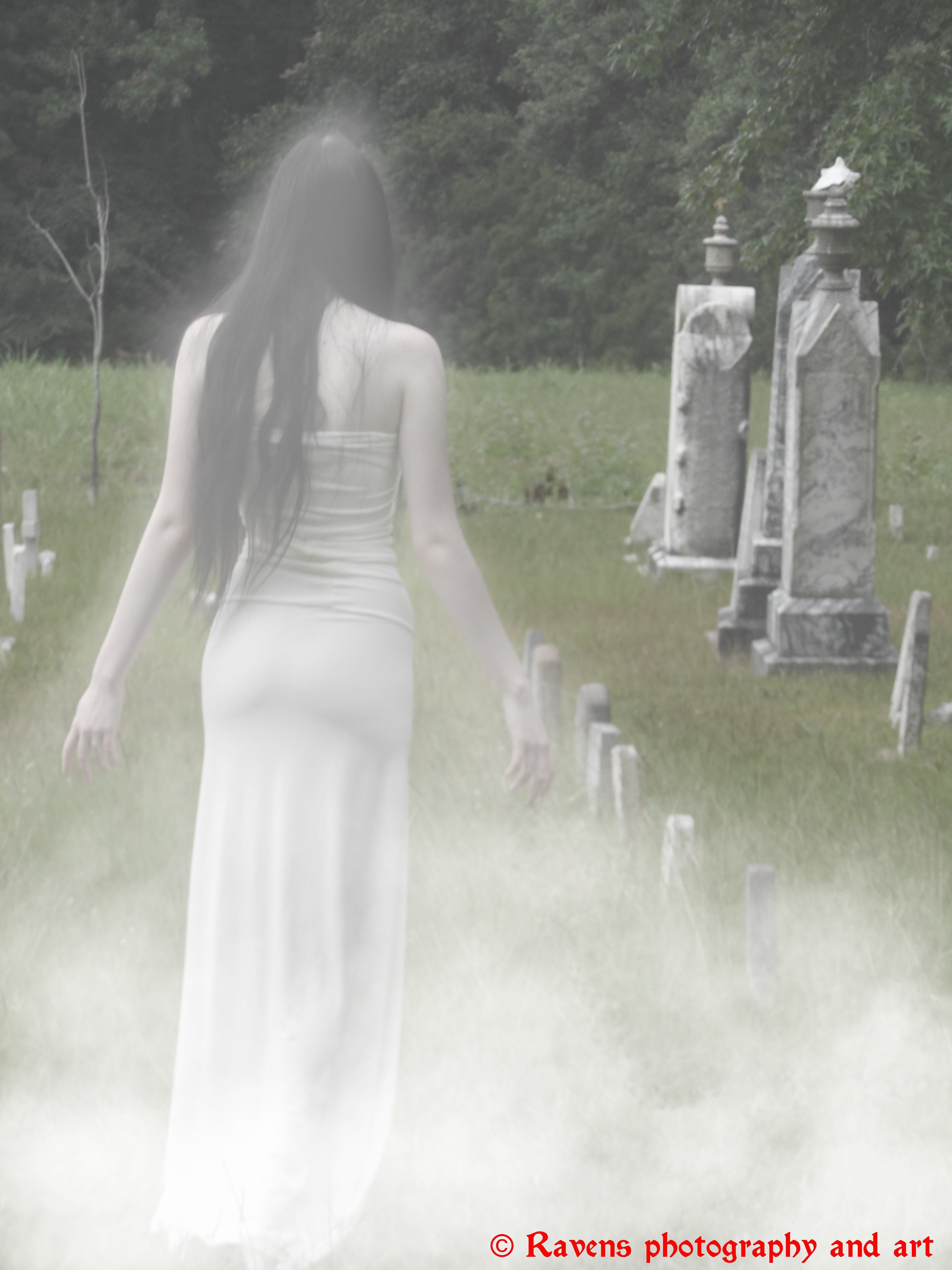 Her ghost in the fog, First edit by GothicRavenMidnight
