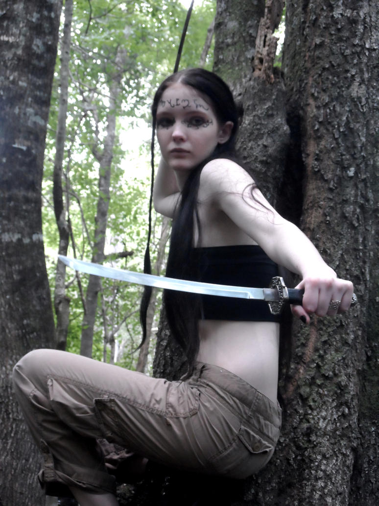 Theban Elf Shoot 2, On guard by GothicRavenMidnight