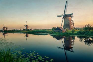 Windmill serenity by floppyrom