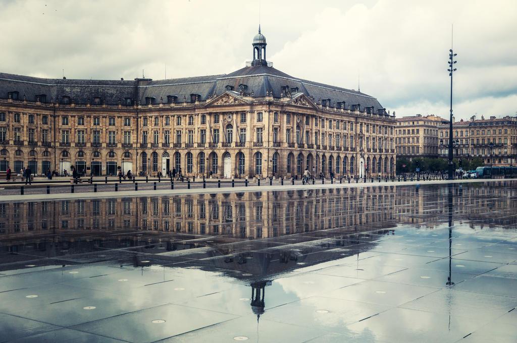 Bordeaux by floppyrom