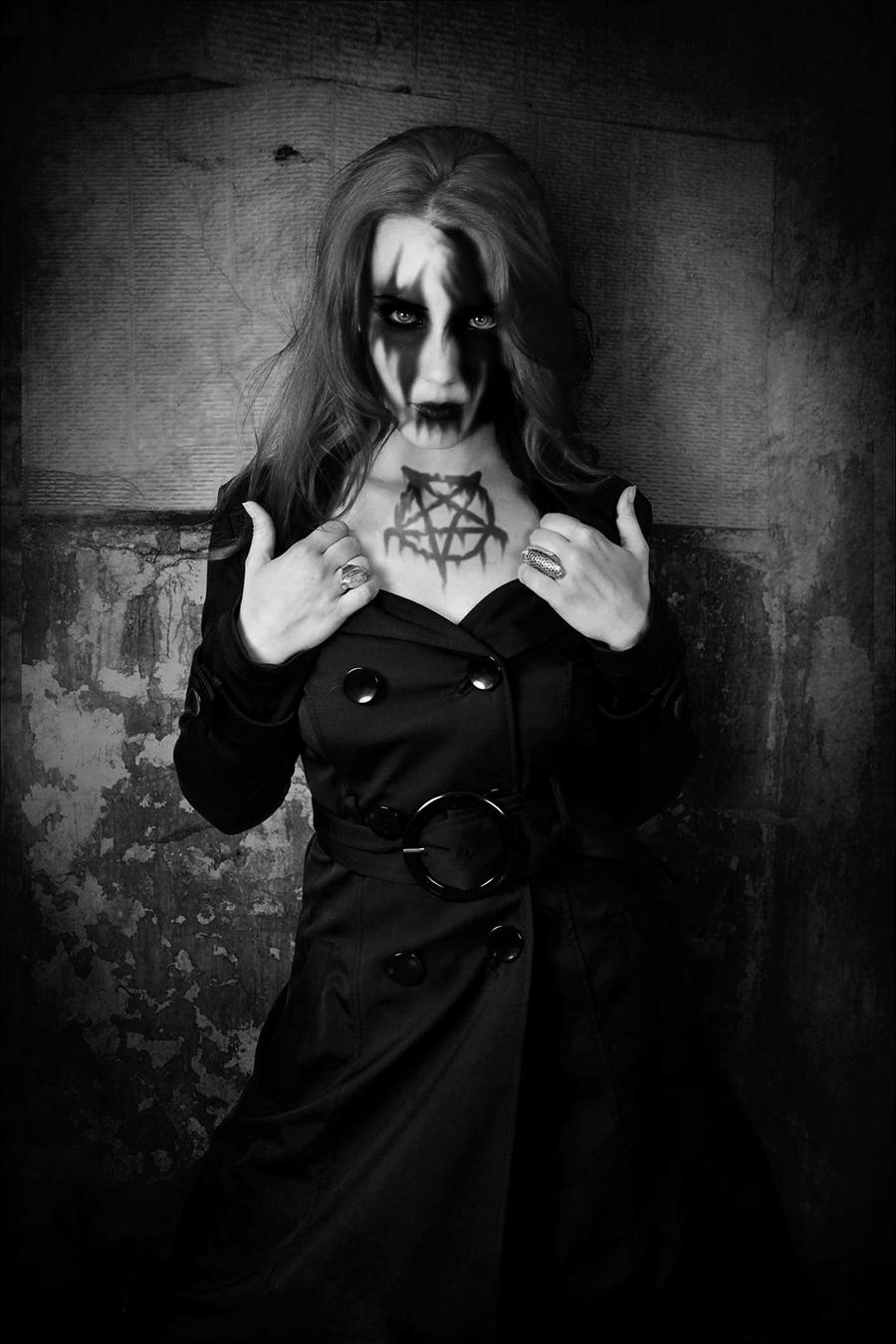 Simone Simons Black Metal by Dragonfly929