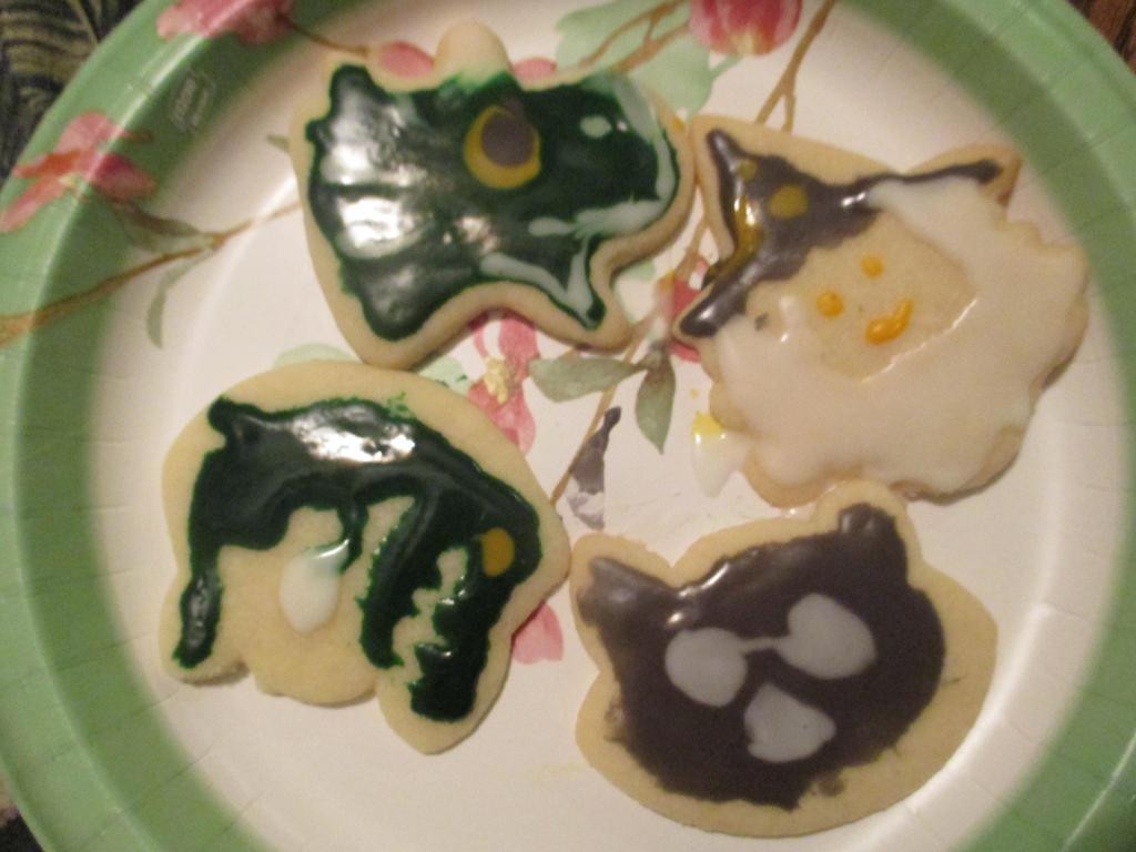 More Halloween Cookies by TheWiseOldMonkey