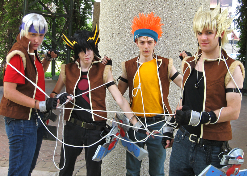 Photos de beaux cosplay  (perso masculin)  trouvés sur le net - Page 3 Team_Satisfaction__Tangled_by_Malindachan