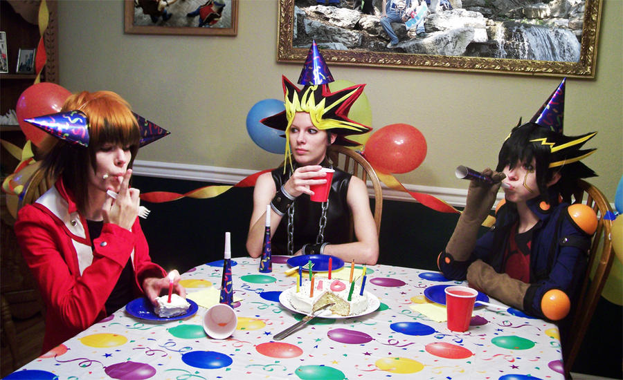 Photos de beaux cosplay  (perso masculin)  trouvés sur le net - Page 3 YGO__Celebrating_10_years_by_Malindachan