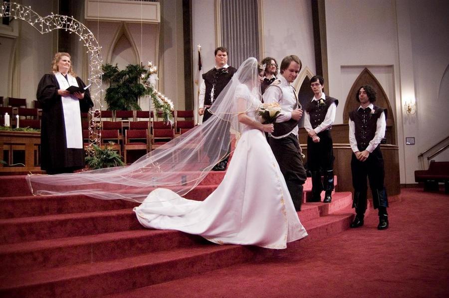 Disney se lance dans la robe de mariée - Page 5 A_dream_is_a_wish_your_heart_makes_by_malindachan-d4hj99o