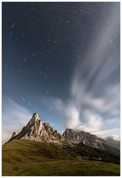 Night passes in the Dolomites
