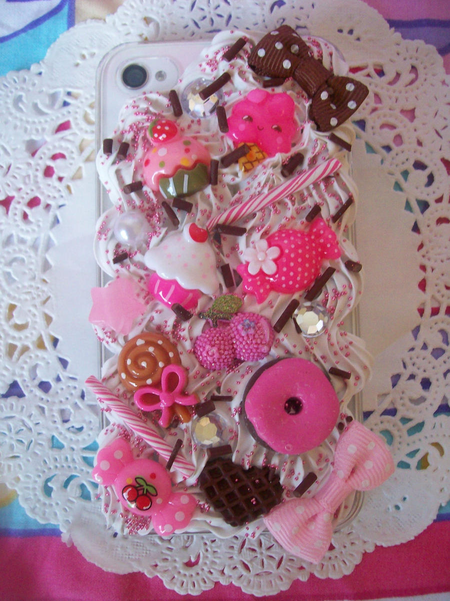 Pink and Chocolate iPhone 4 Decoden Case