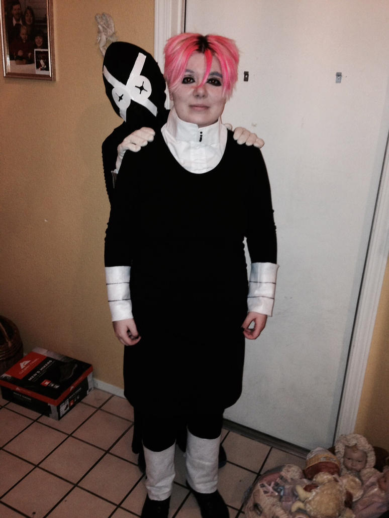Crona and Ragnarok Cosplay 2 by Reprogrammed