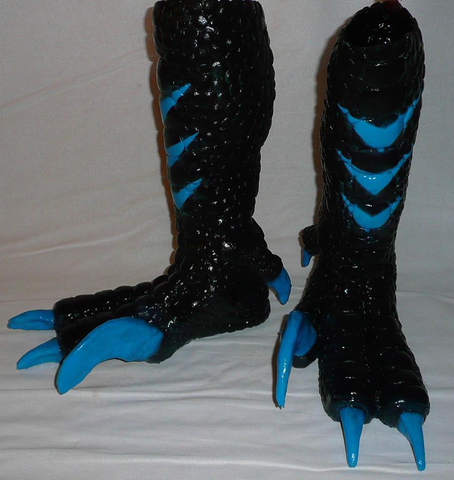 Lizard Raptor Feet Black/turquoise by Arooki
